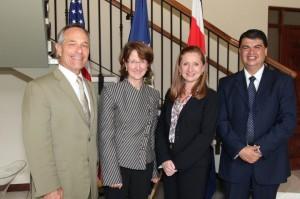 De izquierda a derecha: Comisionado Alan Bersin, Embajadora Anne Andrew, Ministra Anabelle González y Ministro Mario Zamora