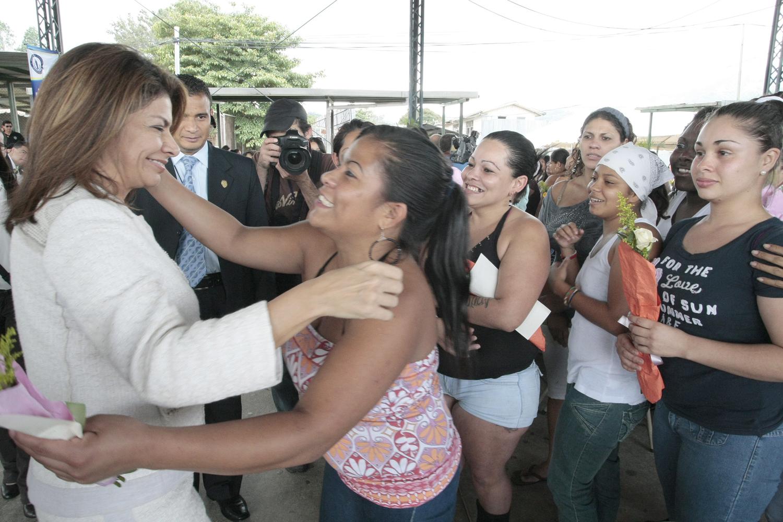 En Costa Rica 7% de la población carcelaria son mujeres.