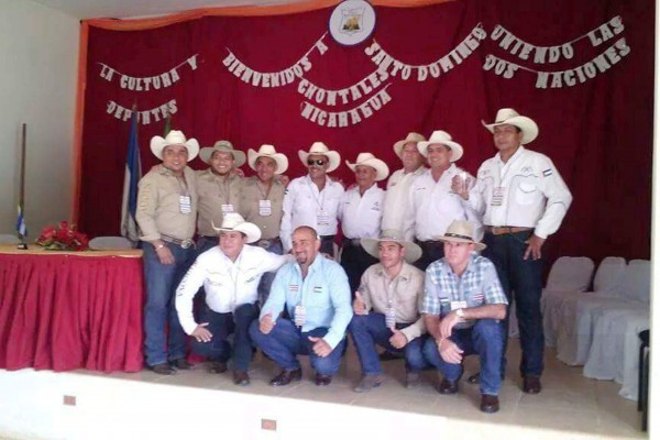 Grupo de Nicoyanos en Santo Domingo de Chontales Nicargua