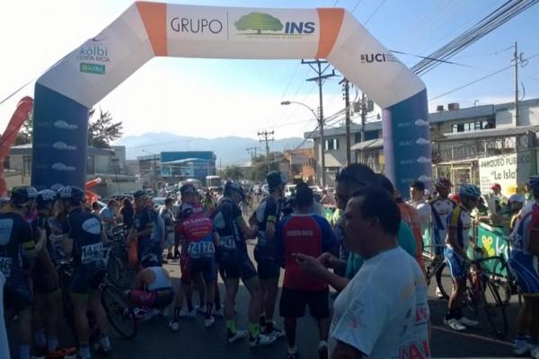 Inicio Vuelta CR 2015 en Alajuela.