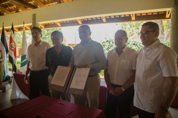 Firma del convenio de cooperación