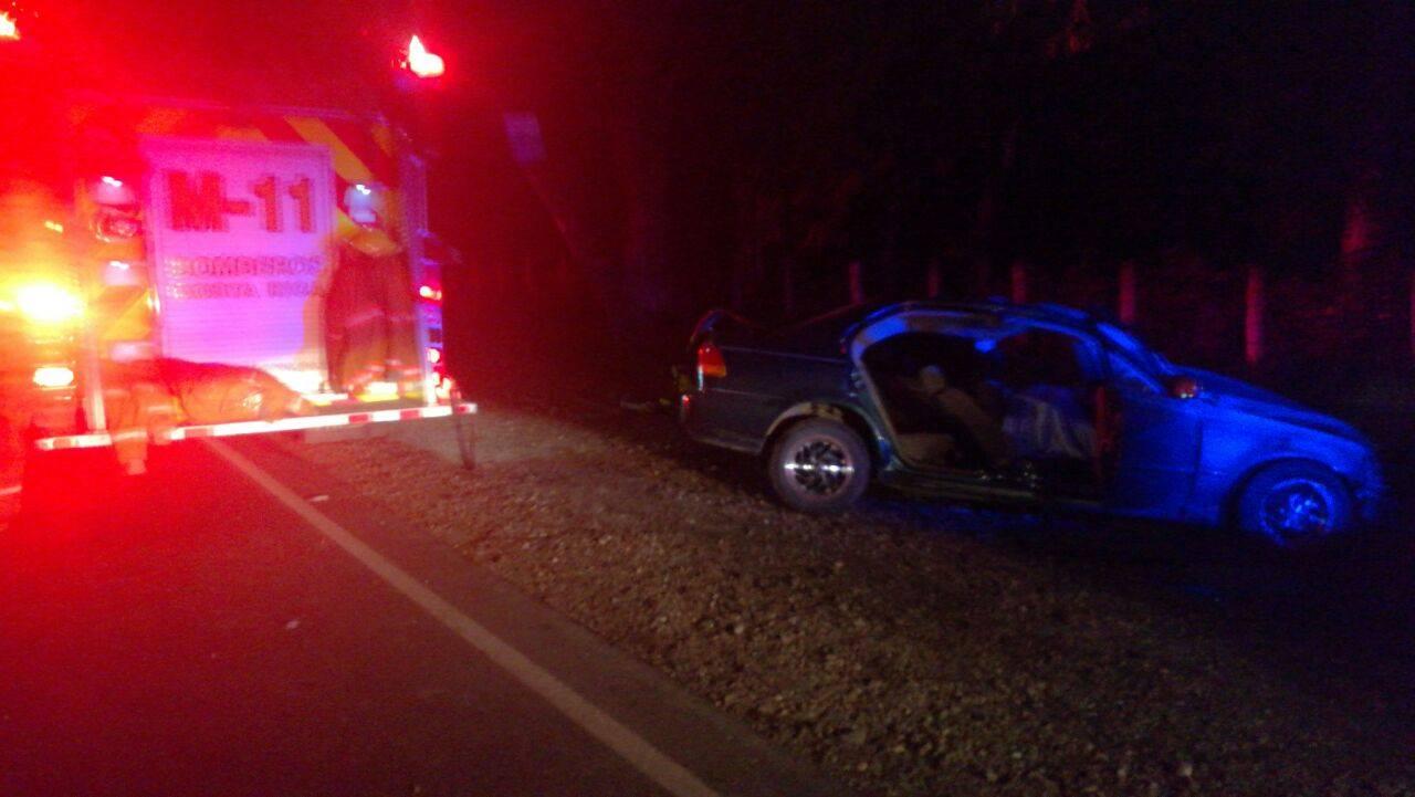 El aparatoso accidente se produjo en Belén de Carrillo, Guanacaste.