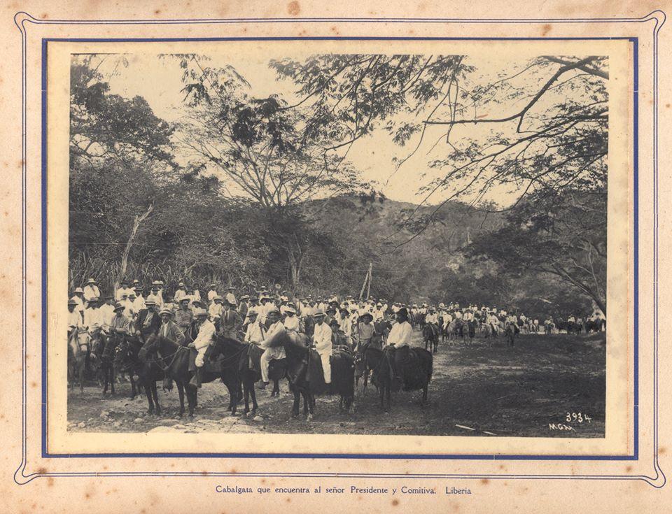 Cabalgata para recibir al Pde Alfredo Gonzalez Flores en 1916