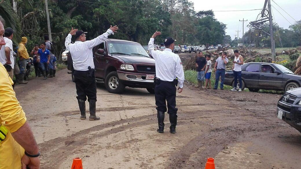 Operativo de policía de tránsito en Upala