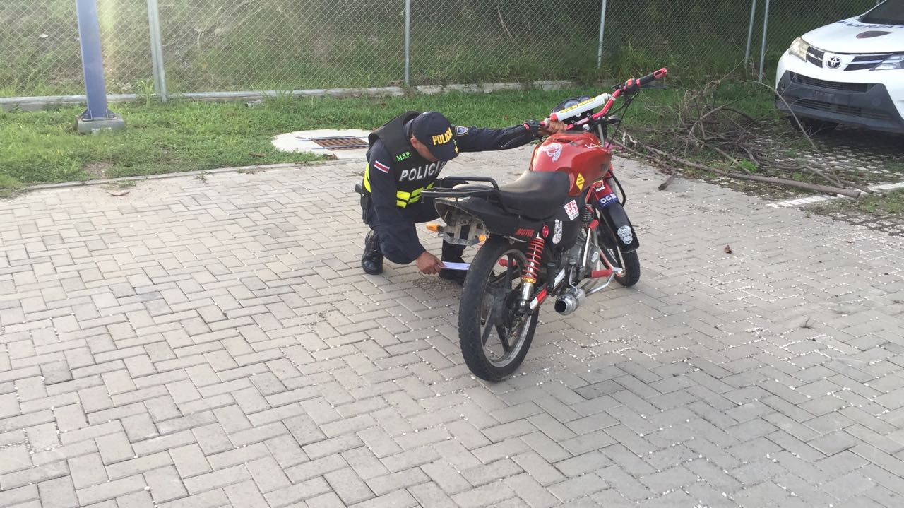 motocicleta decomisada.